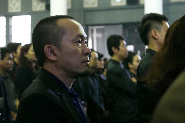 Là người học trò mà Thanh Tùng rất yêu mến khi sinh thời, nhạc sĩ Quốc Trung có một tình cảm đặc biệt đối với ông. Nhạc sĩ Quốc Trung đã viết trong sổ tang: Kính chào thầy, ngôi sao cô đơn của tụi em. Bọn em sẽ luôn nhớ tới thầy, cách xa đâu là lãng quên….