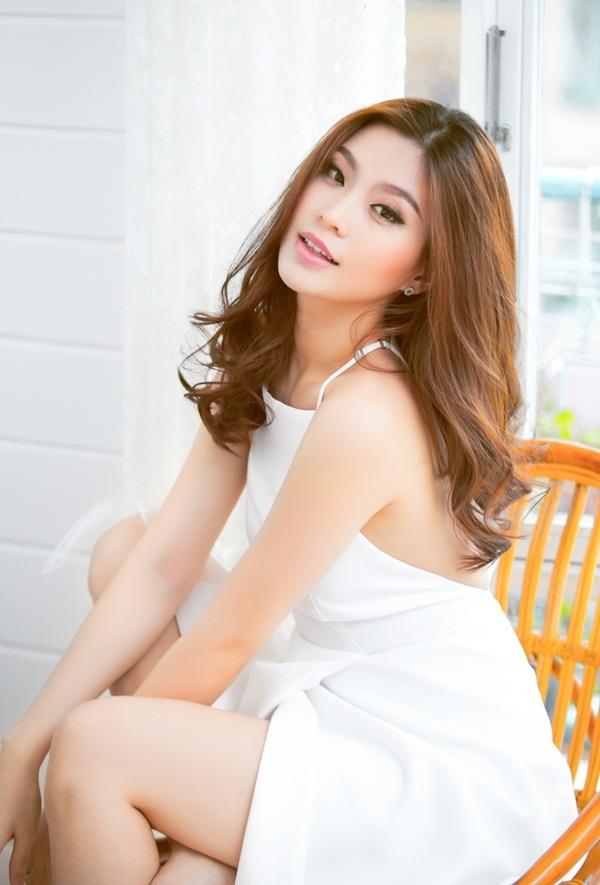 Á hậu Diễm Trang - mẹ bầu vẫn gợi cảm, sang chảnh - 7