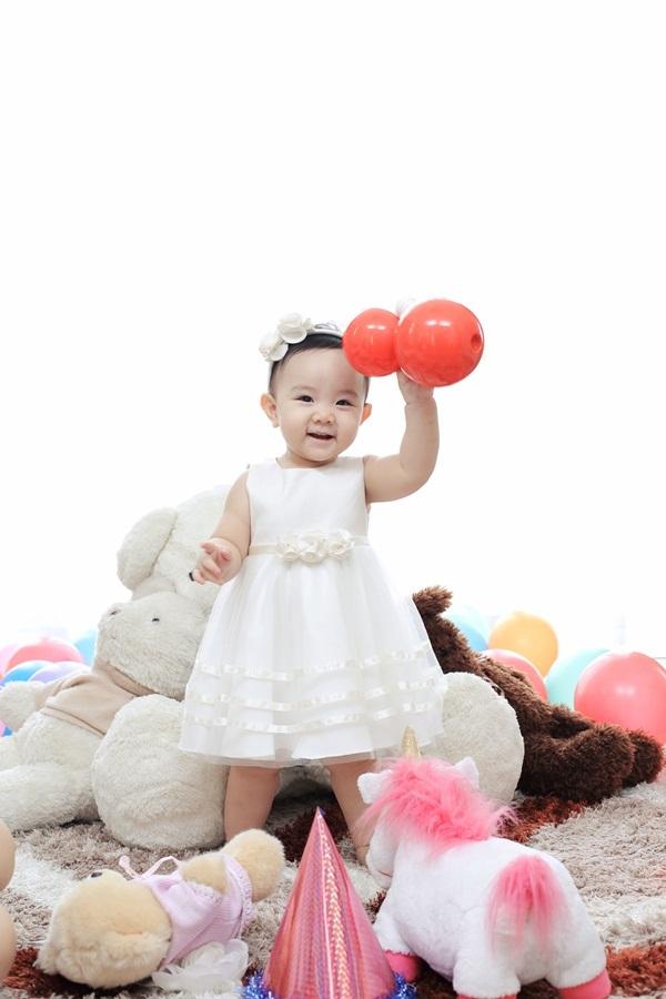 Trang Nhung viết thư cảm động tặng con gái sinh nhật đầu đời - 7