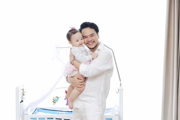 Trang Nhung viết thư cảm động tặng con gái sinh nhật đầu đời - 12