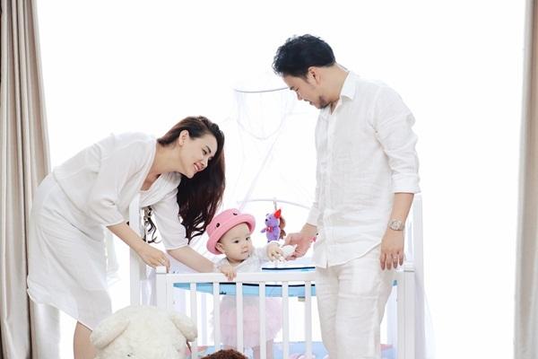 Trang Nhung viết thư cảm động tặng con gái sinh nhật đầu đời - 10
