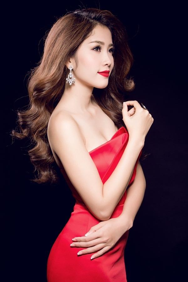 """Hoa khôi Nam Em đội vương miện xinh đẹp như """"nữ thần"""" - 10"""