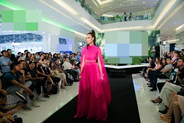 Sự kiện còn có sự tham gia của Quán quân Vietnams Next Top Model 2014 - Nguyễn Oanh