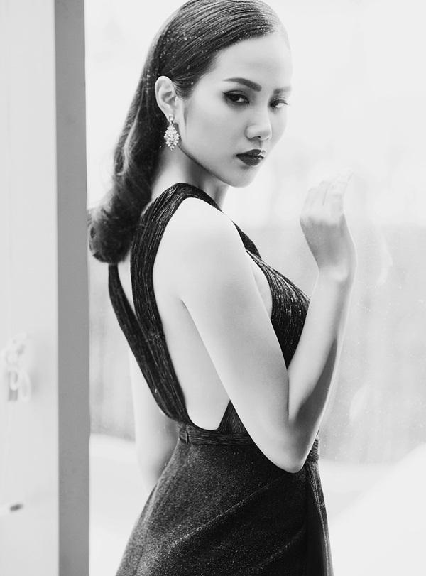 Hoa hậu Đông Nam Á Diệu Linh lạnh lùng khoe đường cong - 5