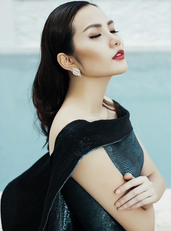 Hoa hậu Đông Nam Á Diệu Linh lạnh lùng khoe đường cong - 8