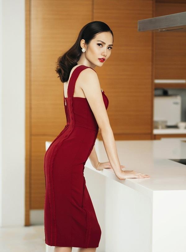 Hoa hậu Đông Nam Á Diệu Linh lạnh lùng khoe đường cong - 1