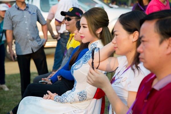 Ngày hội Khinh khí cầu Quốc tế Huế 2016 là hoạt động kết hợp giao lưu văn hoá và quảng bá du lịch được tổ chức nhân dịp Festival Huế.