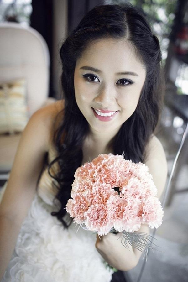 Nguyễn Ngô Hoàng Châu (SN 1994) là con gái của nghệ sĩ hài Hồng Vân với người chồng đầu tiên.