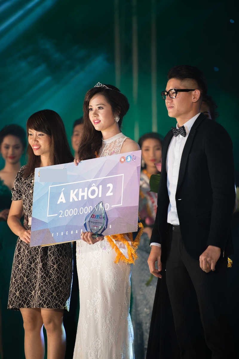 Á khôi 2: Phạm Thị Ngọc Trang.