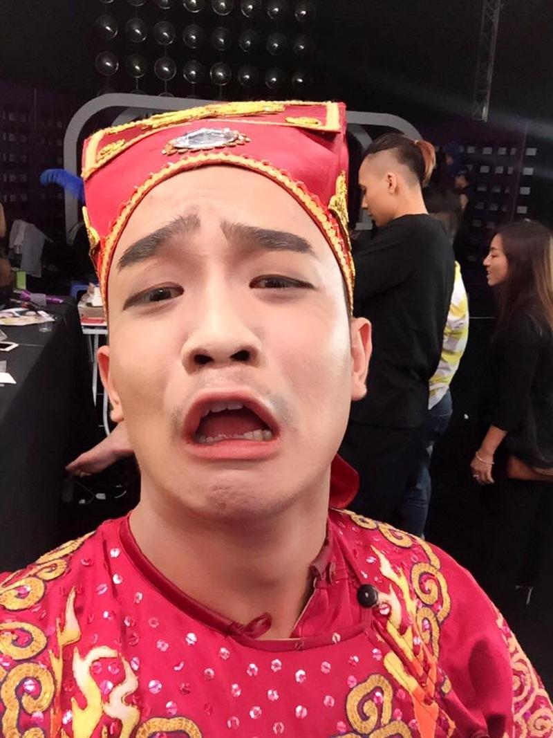Duy Nam chia sẻ để hóa trang chiếc mũi giống danh hài Quang Thắng anh đã mất đến 2 tiếng rưỡi.