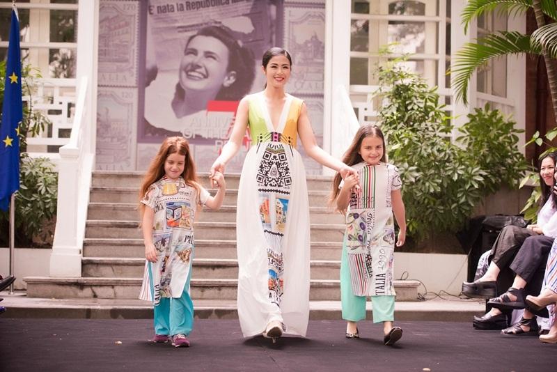 Hoa hậu Ngọc Hân hóa mẹ hiền của các trẻ em Ý - 5