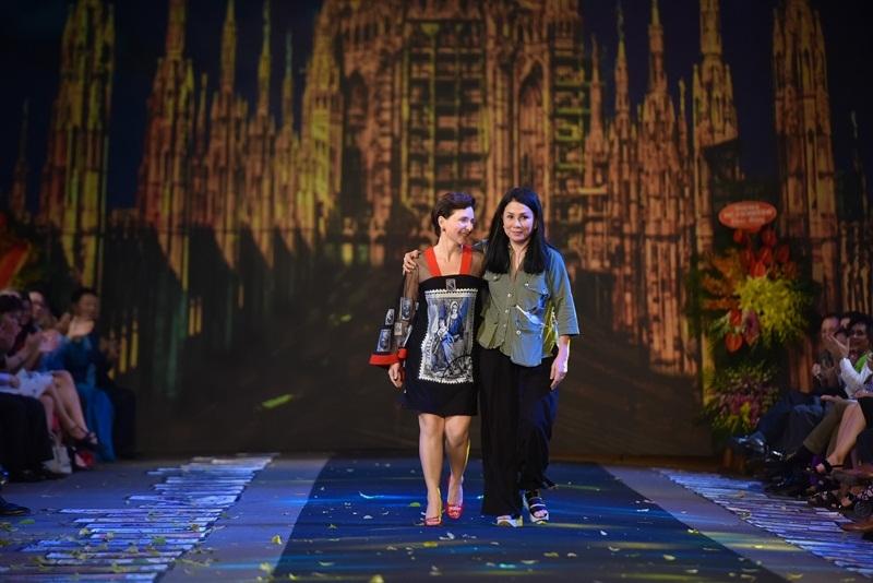 Bà Cecilia Piccioni gửi lời cảm ơn đặc biệt tới NTK Minh Hạnh.