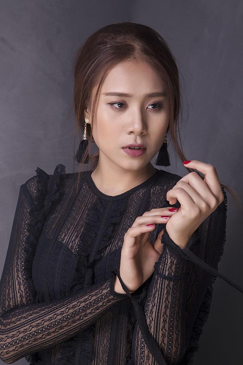 Miss Teen Hồ Bích Trâm đẹp mơ màng với đầm voan bó sát - 4