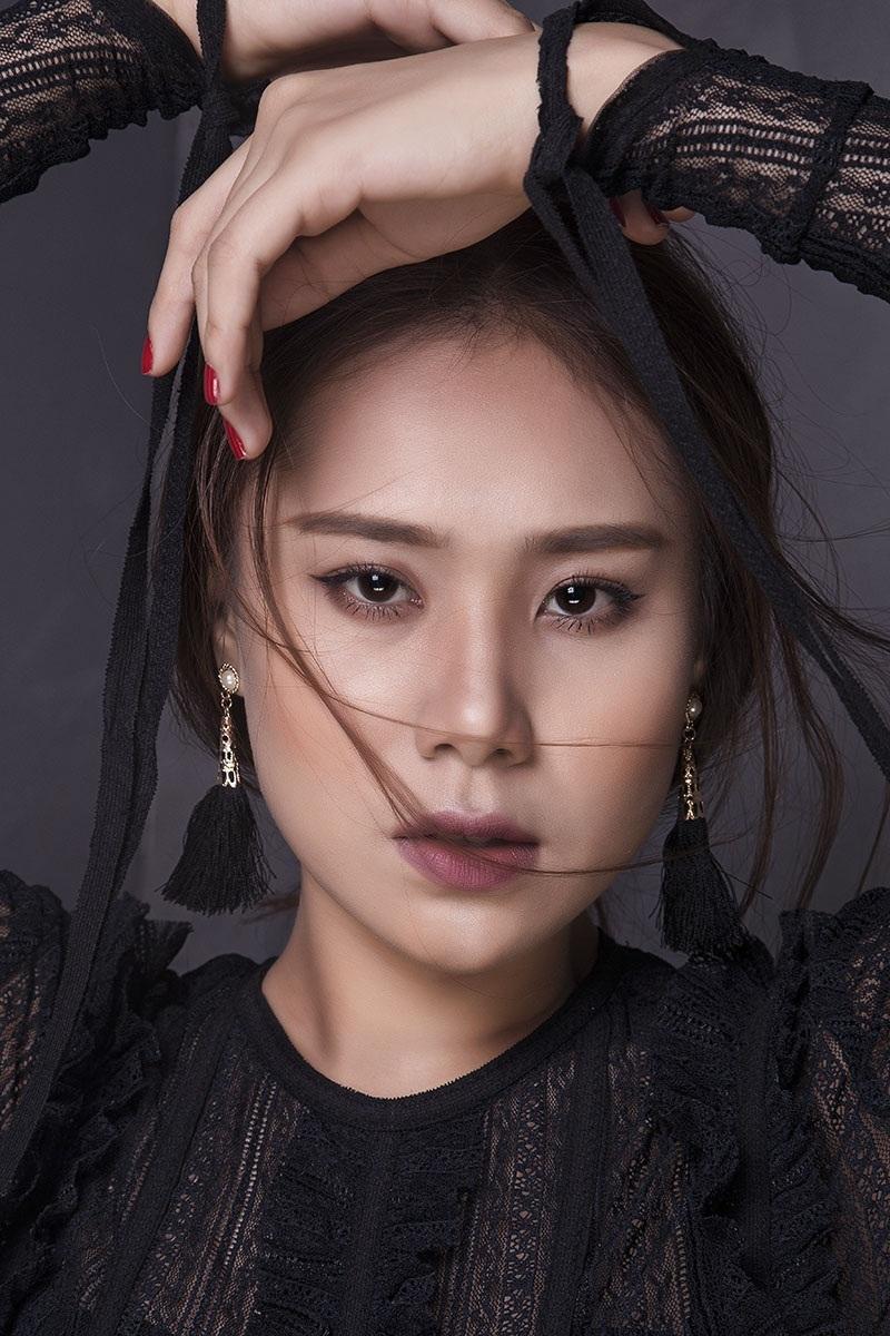 Miss Teen Hồ Bích Trâm đẹp mơ màng với đầm voan bó sát - 5