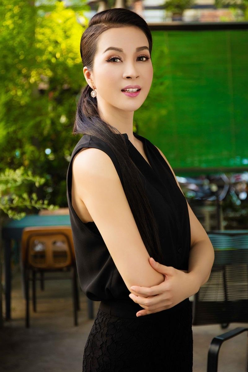 Khi đó MC Thanh Mai là người mẫu, diễn viên múa và được biết đến với bộ phim Cô thủ môn tội nghiệp. Sau khi đoạt giải Á hậu Điện ảnh năm 1992, MC được khán giả biết đến nhiều hơn qua các phim: Ngã ba lòng, Người đi tìm dĩ vãng...