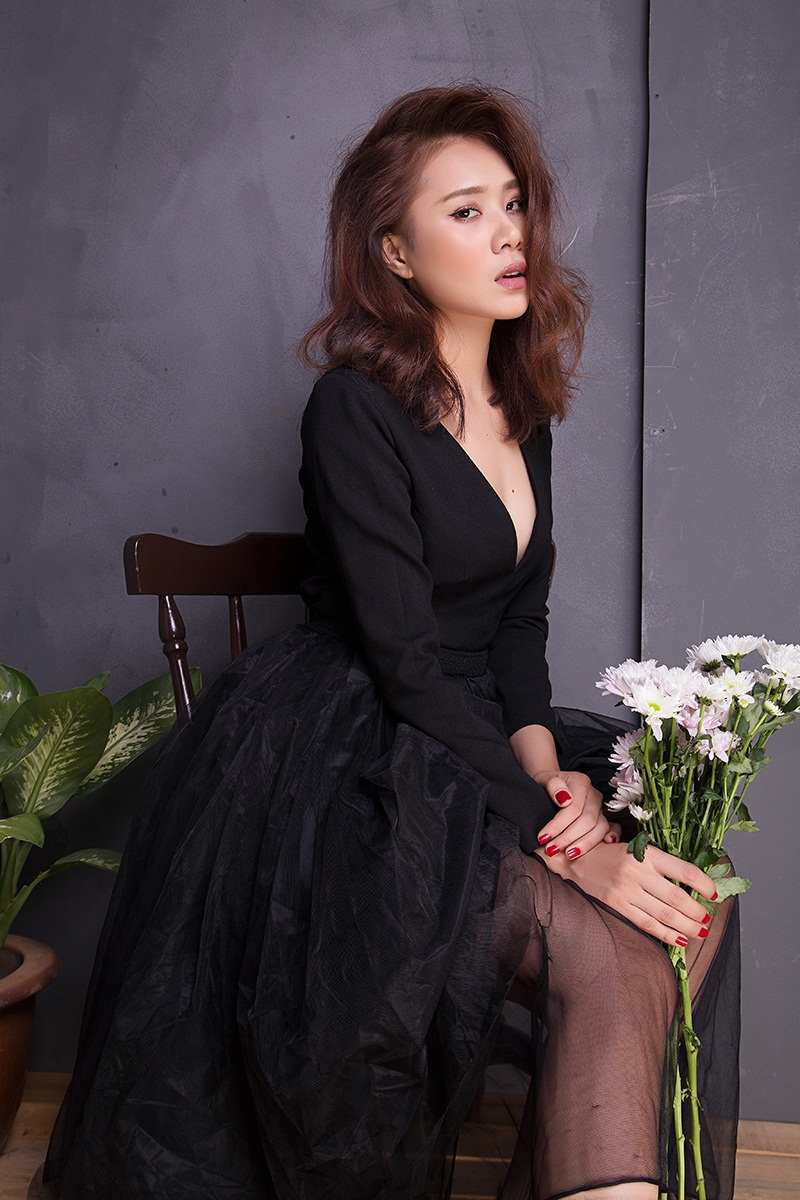 Miss Teen Hồ Bích Trâm đẹp mơ màng với đầm voan bó sát - 8