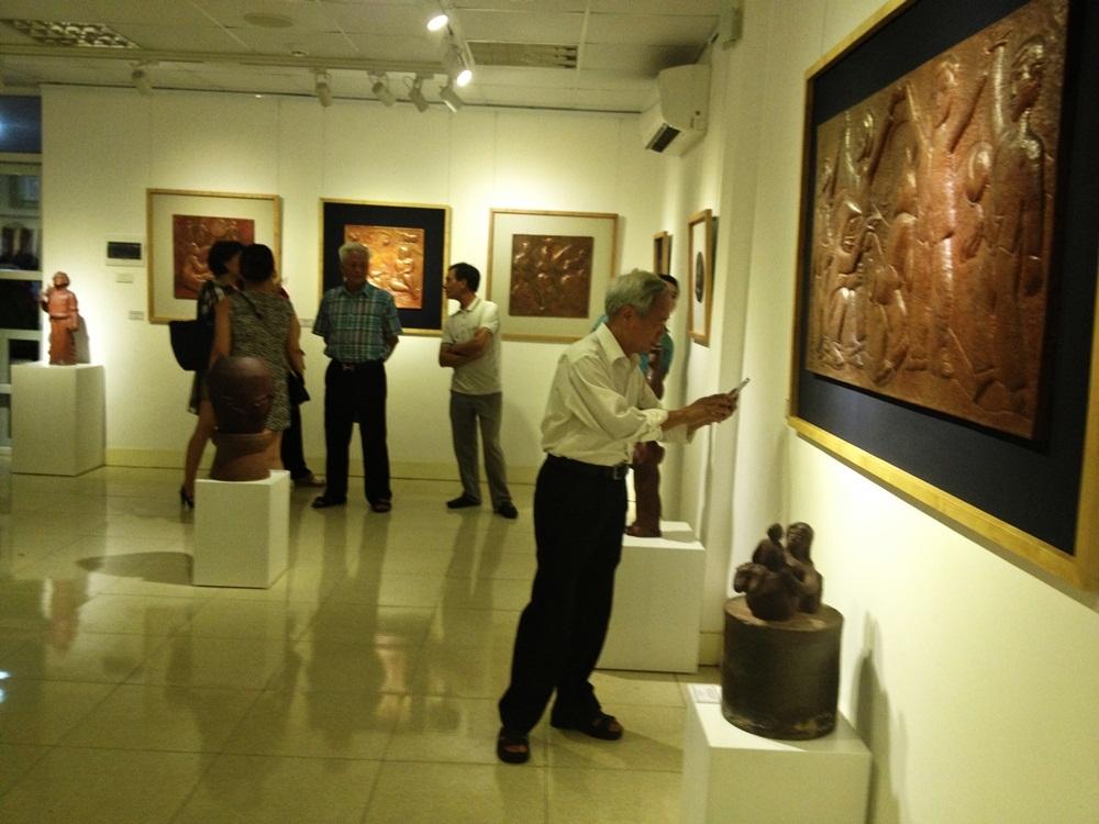 Thưởng lãm tác phẩm của nhà điêu khắc nổi tiếng tạc chân dung lãnh tụ - 5