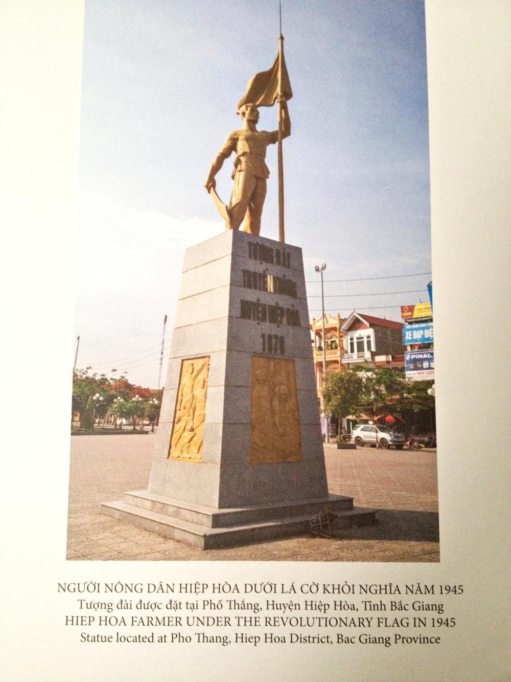 Tượng đài của nhà điêu khắc Hoàng Uyên được đặt tại huyện Hiệp Hòa, Bắc Giang (Hình ảnh tư liệu).