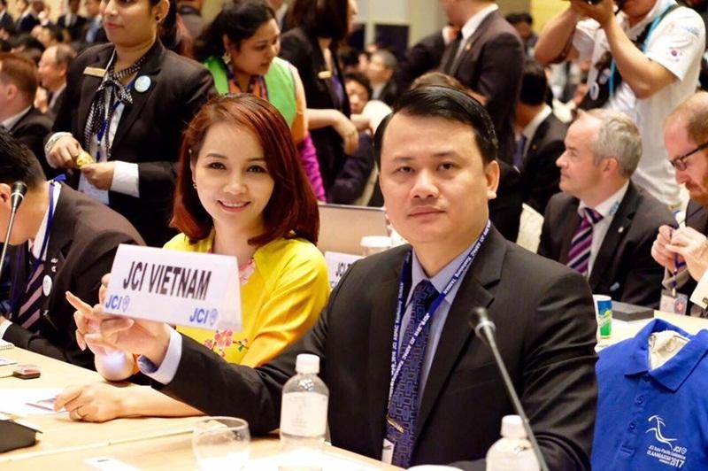 Mai Thu Huyền tham gia hội nghị thường niên tại khu vực châu Á Thái Bình Dương của Liên đoàn doanh nhân trẻ và lãnh đạo trẻ thế giới.