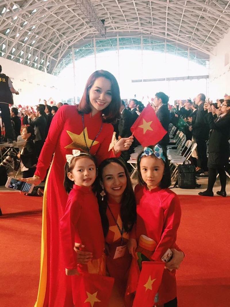 Hoa hậu Ngọc Diễm cũng tham gia chuyến đi cùng diễn viên Mai Thu Huyền.