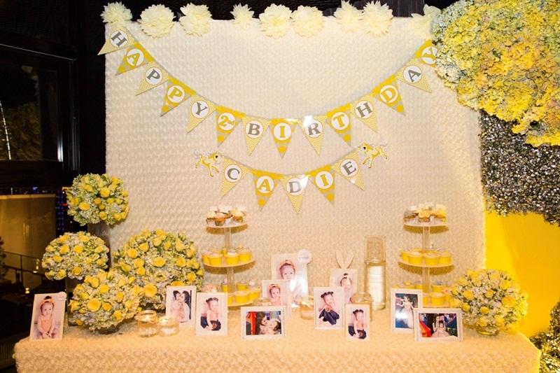 Không gian ấm cúng và ngọt ngào của buổi tiệc do chính Elly Trần tự liên ý tưởng trang trí.