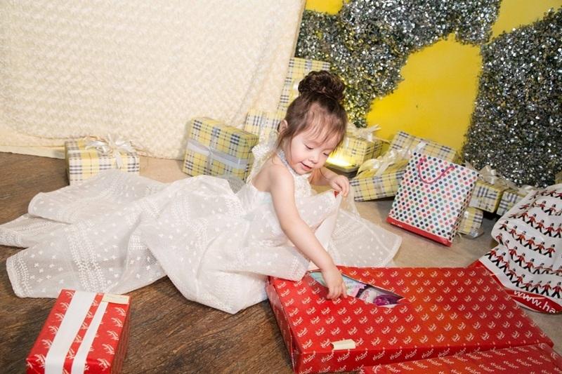 Buổi tiệc được tổ chức sớm hơn so với ngày sinh nhật thật sự của bé Cadie.