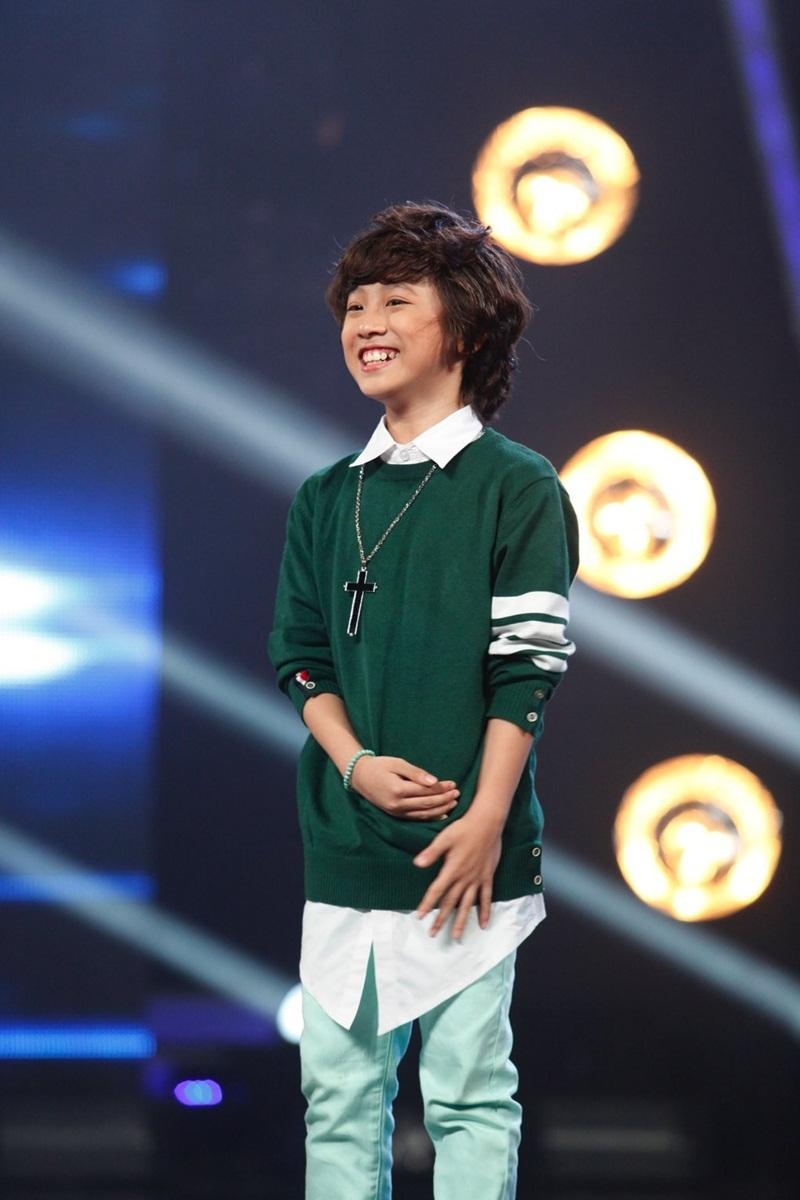 Với 44,1% lượt bình chọn của khán giả, Gia Khiêm là giọng ca đi tiếp vào top 8 của chương trình.
