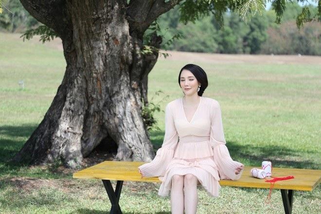 Năm 2016 đánh dấu sự trở lại nhẹ nhàng mà ấn tượng của Hồ Quỳnh Hương (Ảnh: Huy Nguyễn).