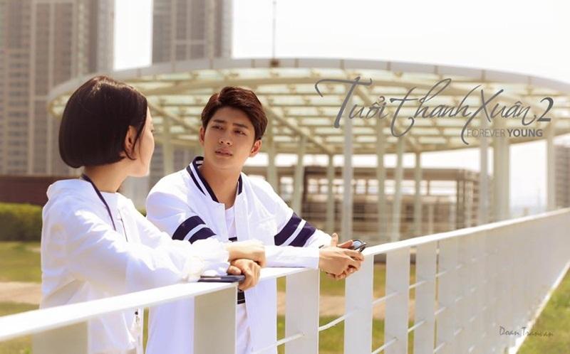 Bức ảnh cô gái tóc ngắn đứng cùng Junsu khiến người hâm mộ đứng ngồi không yên.