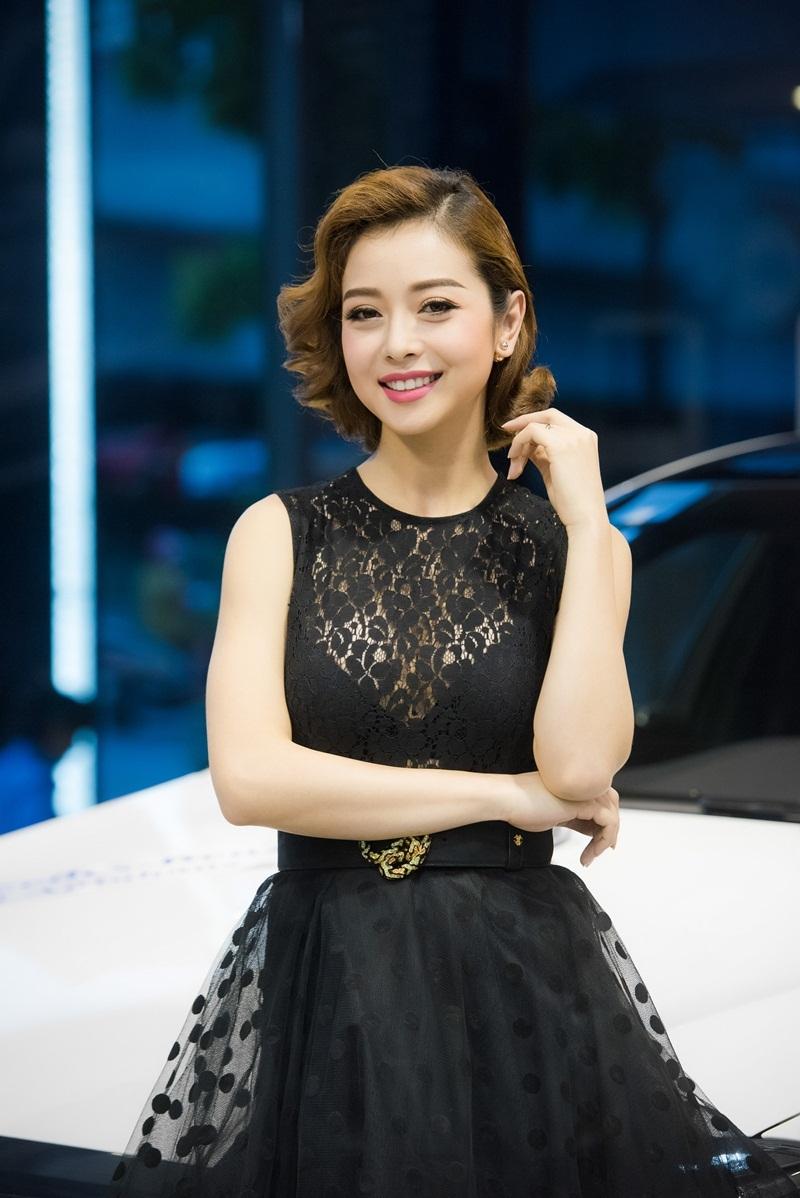 Hoa hậu Jennifer Phạm khoe vẻ đẹp kiêu kì - 11
