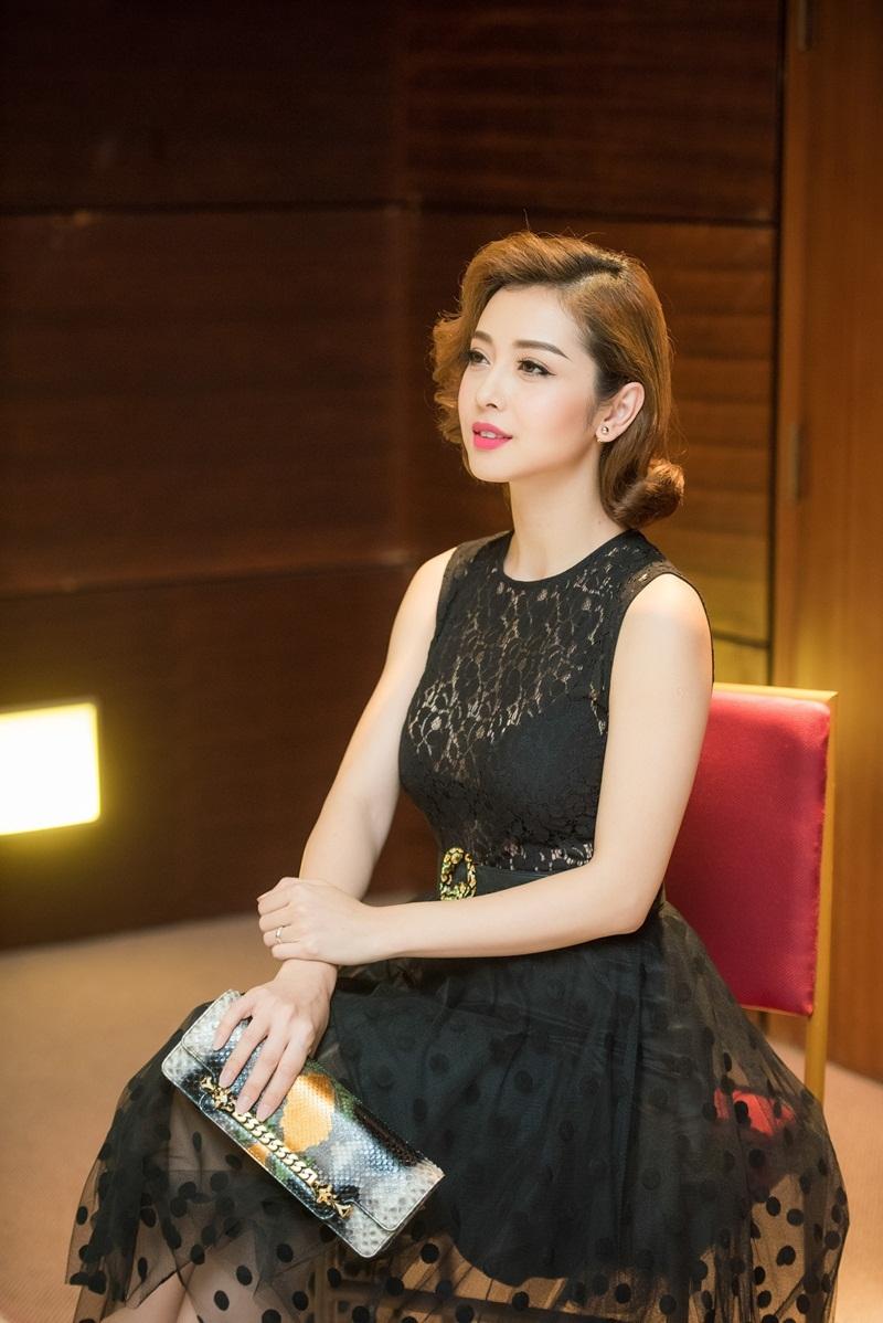Hoa hậu Jennifer Phạm khoe vẻ đẹp kiêu kì - 6