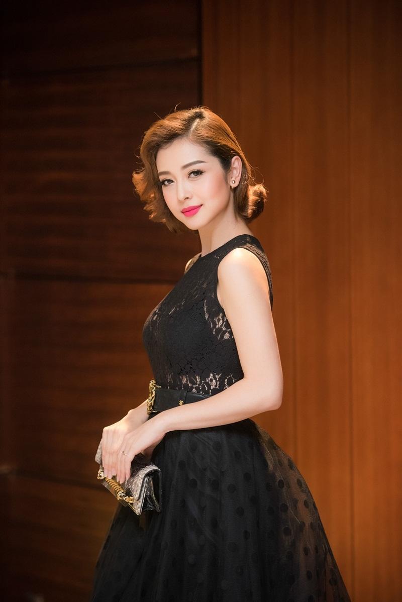 Hoa hậu Jennifer Phạm khoe vẻ đẹp kiêu kì - 9