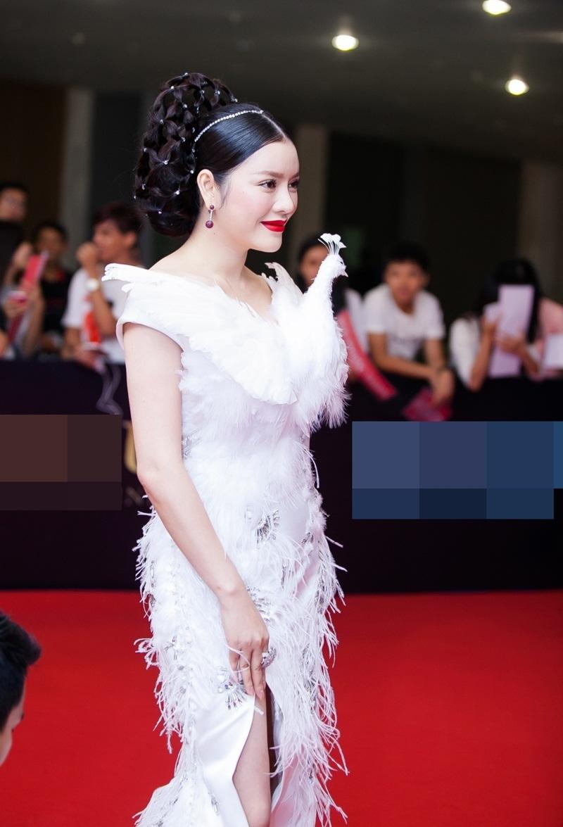 Hiện cô là một trong hai nhà bảo trợ cá nhân cho tổ chức Cinéfondation, thuộc Liên hoan phim Cannes (LHP Cannes).