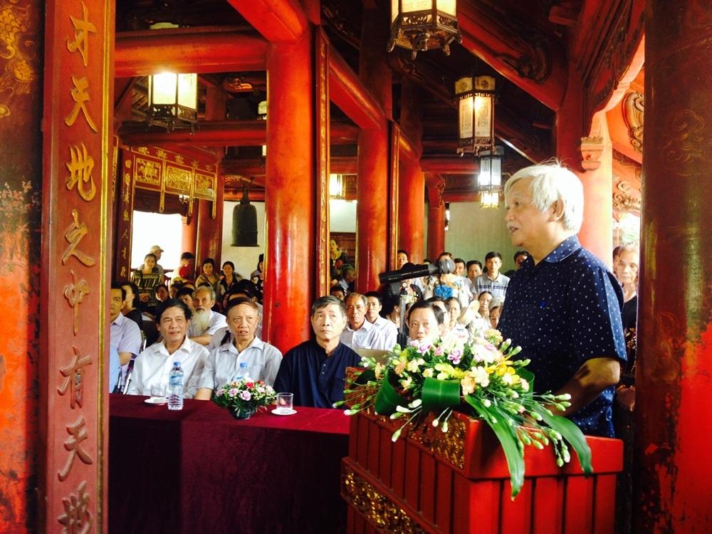 Ông Dương Trung Quốc - Phó Chủ tịch, Tổng thư ký Hội khoa học Lịch sử Việt Nam phát biểu tại buổi lễ.