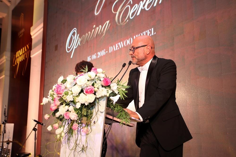 Ông Sergio Della Giovanna - Design Manager phát biểu tại lễ khai mạc.
