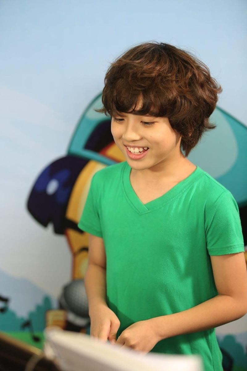 Với ngoại hình điển trai, giọng hát cuốn hút, cậu bé Gia Khiêm đã có một lượng fan riêng mặc dù mới chỉ là thí sinh đi thi.