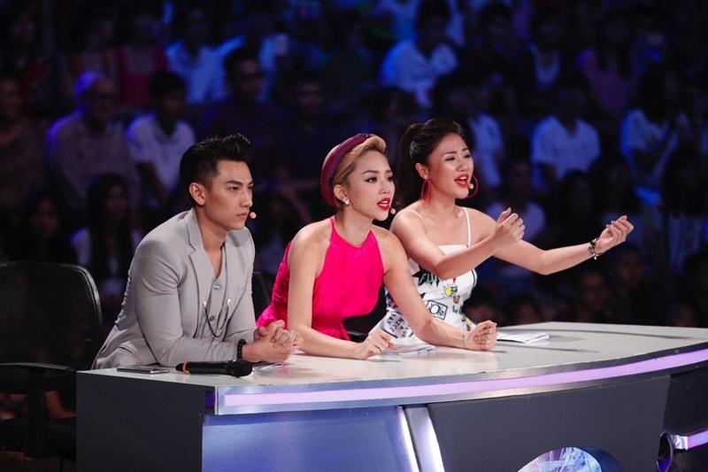Văn Mai Hương nói rằng ở ghế giám khảo, cô luôn buồn nẫu ruột khi nghe Cường hát.