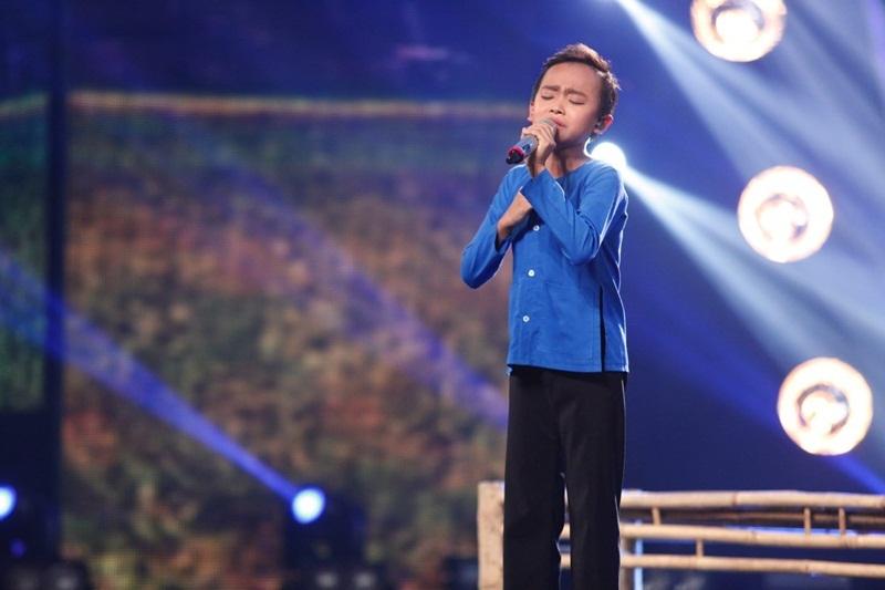 Hồ Văn Cường thể hiện ca khúc Sa mưa giông - một thử thách khó đến từ 3 giám khảo.