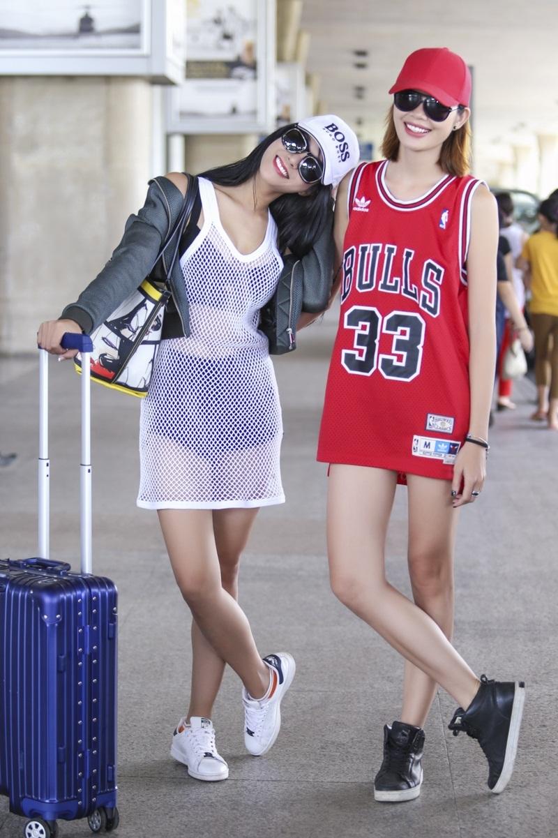 Cả hai diện trang phục khỏe khoắn. Cặp đôi là bạn thân đã được 6 năm, Diệp Lâm Anh và Trần Hiền từng là quán quân của Cuộc đua kỳ thú 2013.