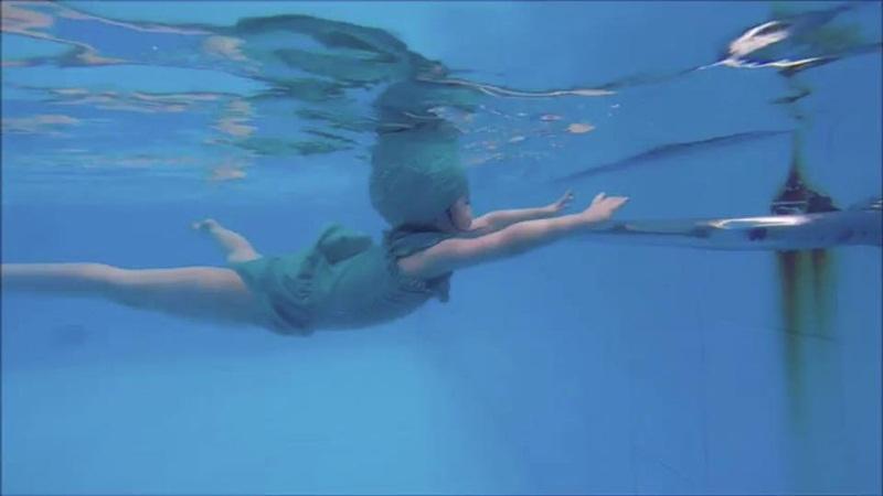 2 tuổi, Cadie Mộc Trà bơi lặn như vận động viên chuyên nghiệp - 6