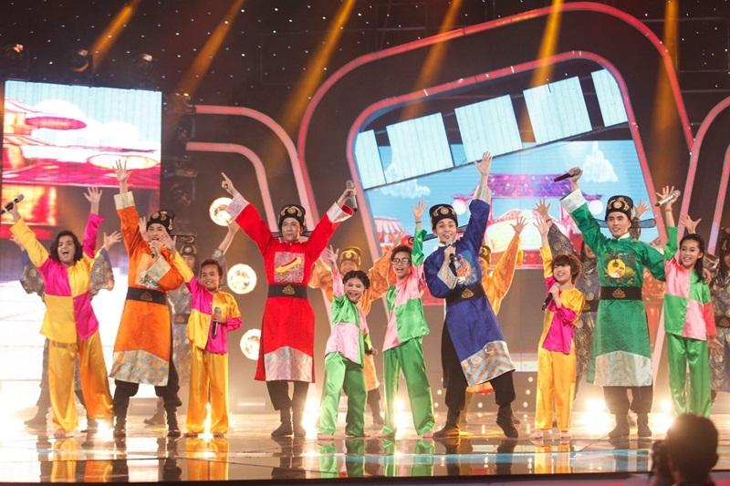 """Nhóm 365 mang hit phim """"Tấm Cám"""" đến Idol Kids, Hồ Văn Cường hát nhạc trẻ - 11"""