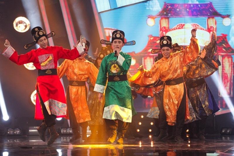 """Nhóm 365 mang hit phim """"Tấm Cám"""" đến Idol Kids, Hồ Văn Cường hát nhạc trẻ - 4"""