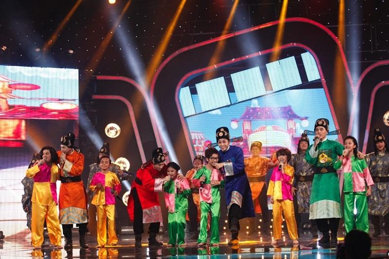"""Nhóm 365 mang hit phim """"Tấm Cám"""" đến Idol Kids, Hồ Văn Cường hát nhạc trẻ - 9"""