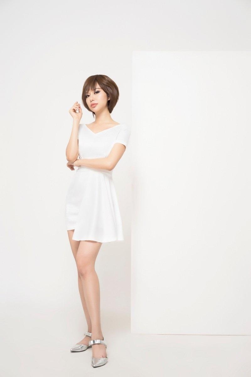 Hoa hậu Điện ảnh Huỳnh Yến Trinh trẻ trung phối đồ phong cách cá tính - 12