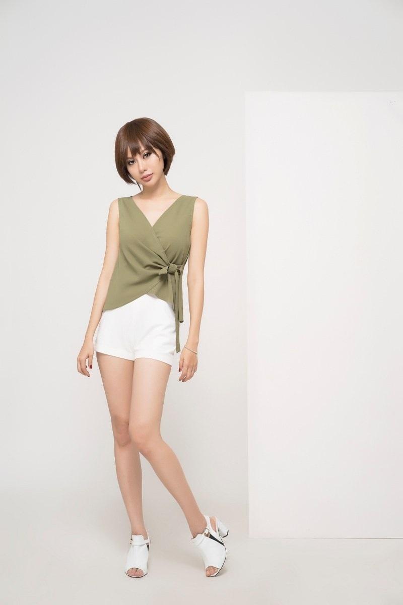 Hoa hậu Điện ảnh Huỳnh Yến Trinh trẻ trung phối đồ phong cách cá tính - 5