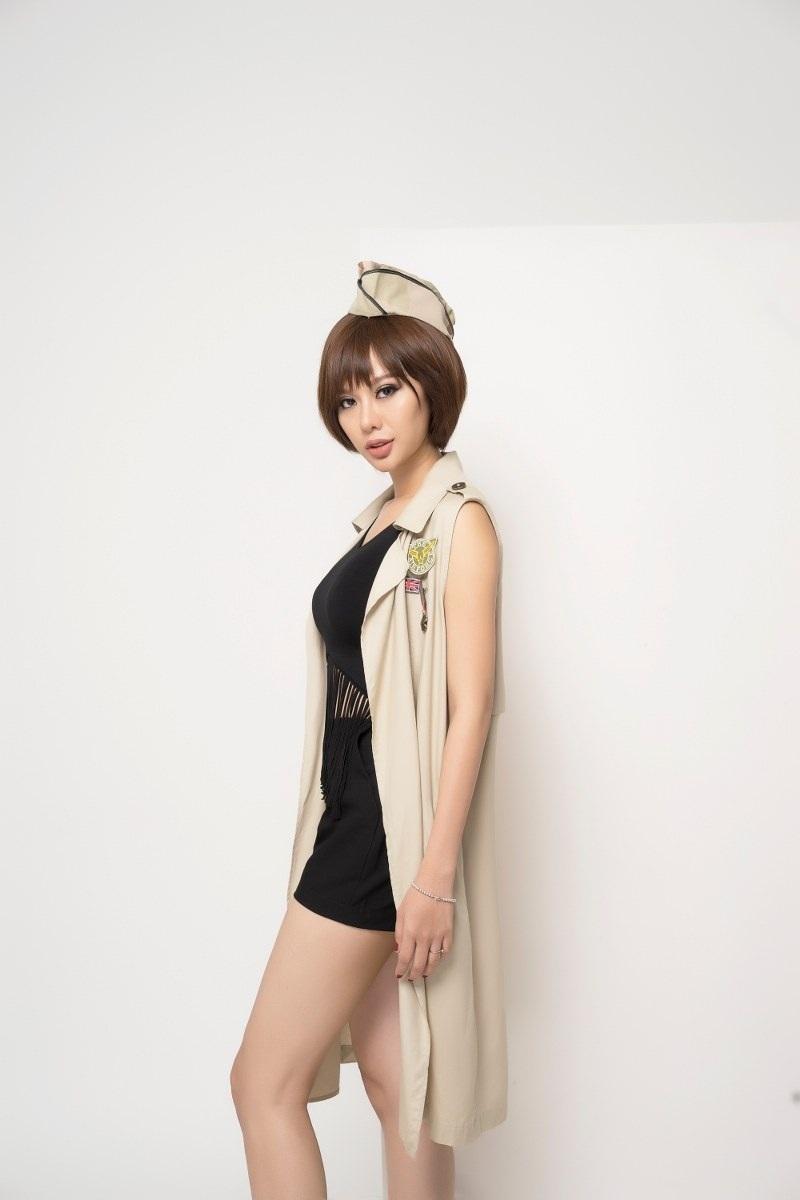 Hoa hậu Điện ảnh Huỳnh Yến Trinh trẻ trung phối đồ phong cách cá tính - 9