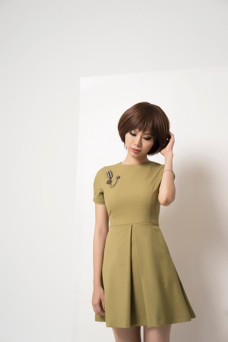 Hoa hậu Điện ảnh Huỳnh Yến Trinh trẻ trung phối đồ phong cách cá tính - 13