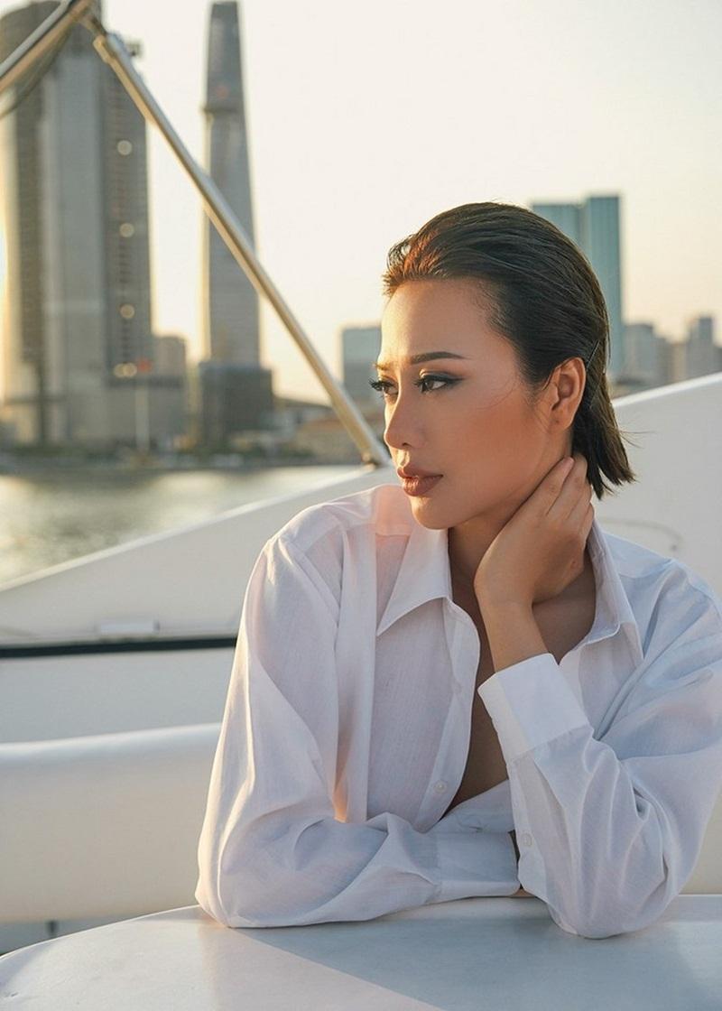Hoa hậu Điện ảnh Huỳnh Yến Trinh trẻ trung phối đồ phong cách cá tính - 14