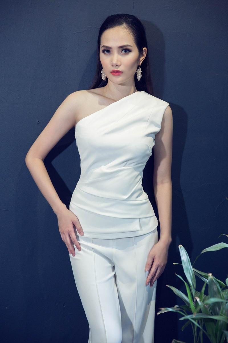 Hoa hậu Đông Nam Á Diệu Linh ngọt ngào với đầm hai dây - 9