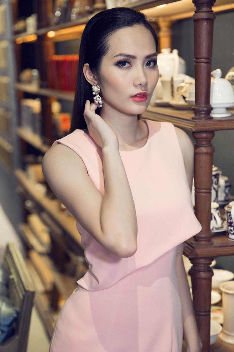Hoa hậu Đông Nam Á Diệu Linh ngọt ngào với đầm hai dây - 14